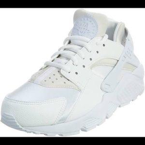 Nike air huaraches Women